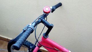 se vende mountan bike,la vendo por poco uso, 60€