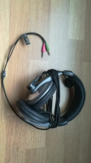 cascos alambricos con micrófono
