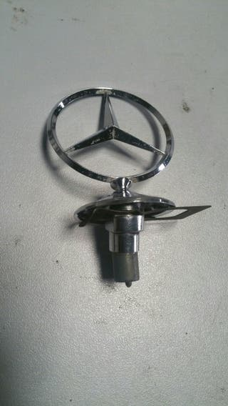 Estrella delantera Mercedes clase w116