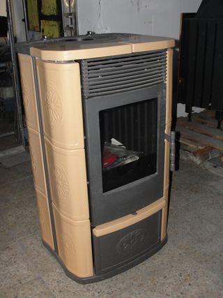 Estufa de lenya Edilkamin con ventilador