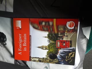 Libro A foreigner in britain