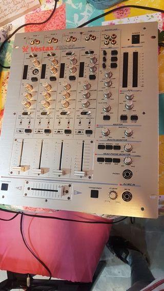 mesa de mezclas vestax pmc-55