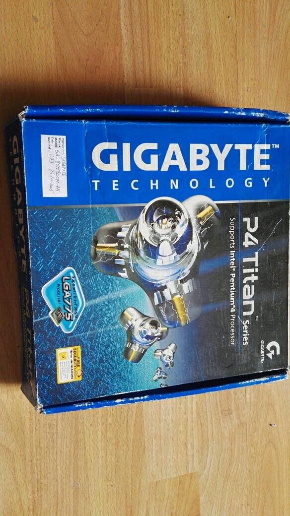 placa base Gigabyte P-4