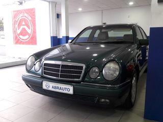 Mercedes-Benz Clase E 320 ELEGANCE 5p