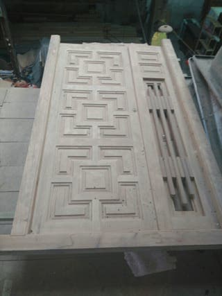 Puerta de madera exterior