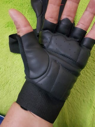 guantes de entrenamiento nike
