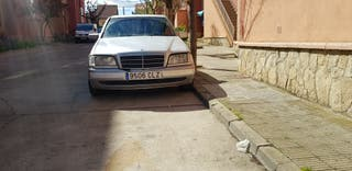 Mercedes-Benz 220 1998