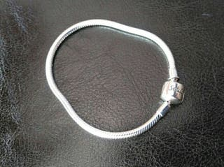 Pulsera tipo Pandora de plata
