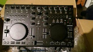 Akiyama Quark SC, controladora DJ USB