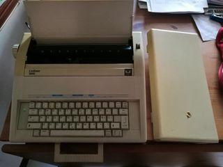 Máquina de escribir Carina 2000