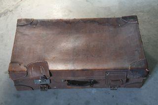 Maleta antigua de cartón imitación cuero