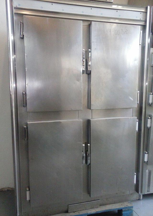 Armario cámara frigorífica puertas acero