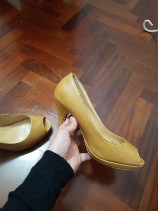 Zapatos Camel del 37