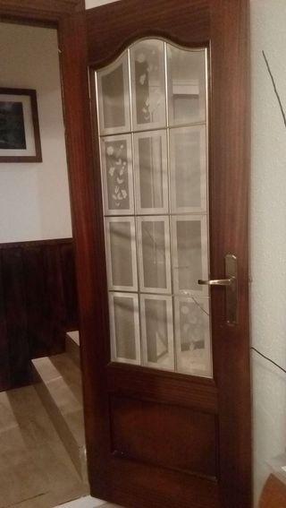 Puerta con ventana