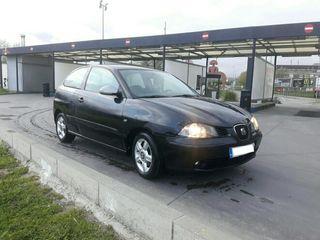 SEAT Ibiza negro 2003