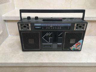 Radio antigua International vintage