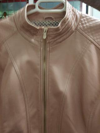 jacketa de poli peil.