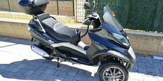 Moto piaggio mp3 125CC 15cv