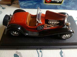coche de juguete estilo antiguantiguo bucatti 1932