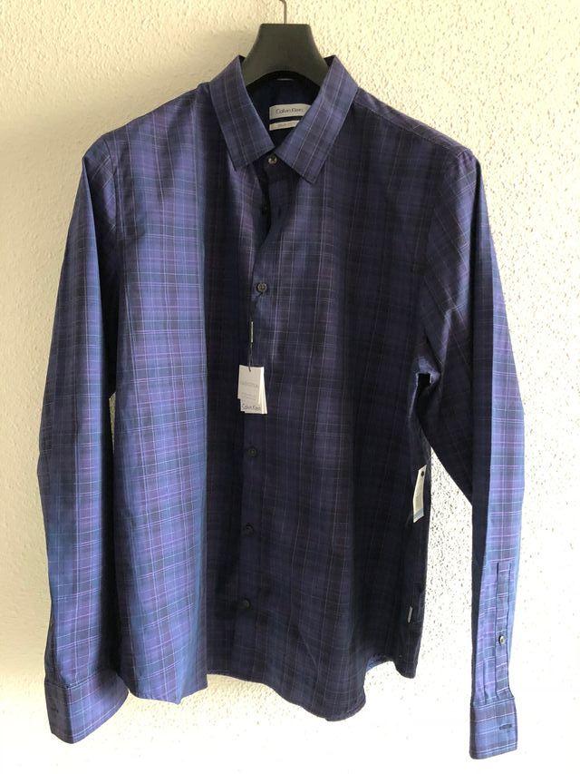 f86296335d37d Camisa Calvin Klein XL de segunda mano por 18 € en Madrid en WALLAPOP
