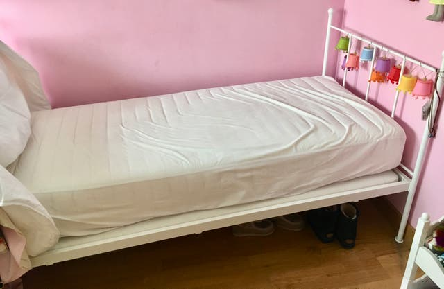 Dos camas de forja blanca de segunda mano por 300 en for Cama de forja blanca