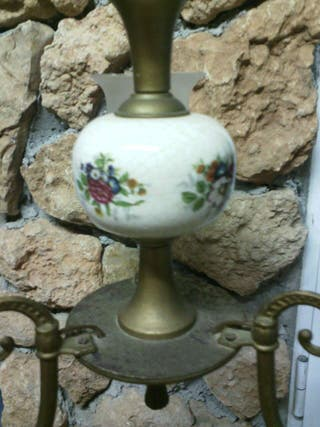 Lampara metálica en porcelana