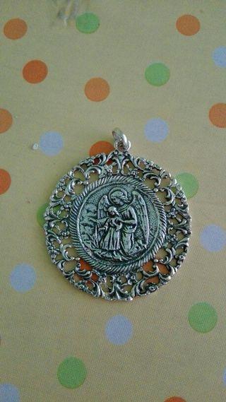 Medalla Angel anunciador