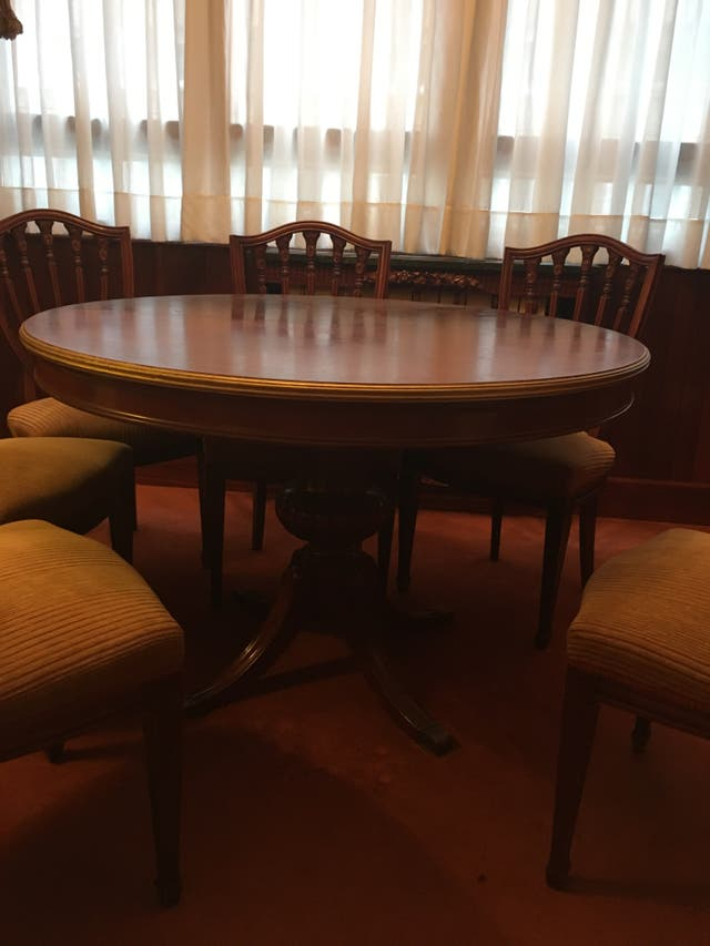 Antigua mesa de comedor Luis XVI de madera maciza de segunda mano ...