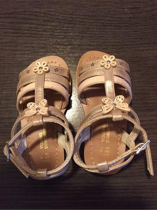 Sandalias niña nuevas (num. 23