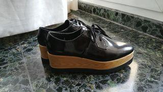 Zapatos plataforma con cordones