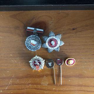 Medallas y pines sovieticos