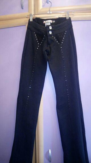 bastante agradable 57ba4 d6746 Pantalones Brasileños de segunda mano por 9 € en Madrid en ...