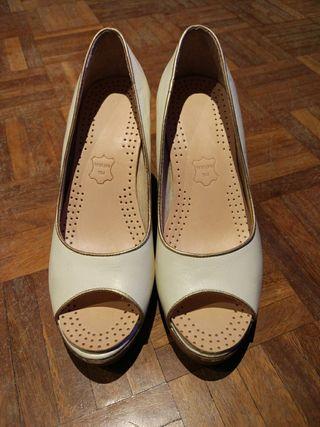 Zapatos de tacón de cuña