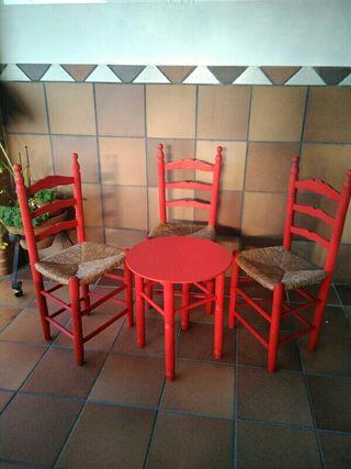 Sillas y mesas flamencas