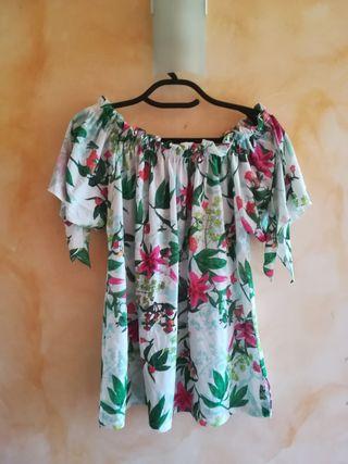 camiseta Cortefiel flores
