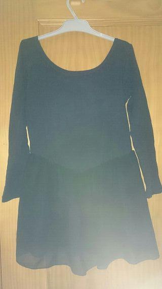 Mallot negro, con falda