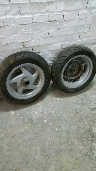 Rueda completa moto Honda phanteon