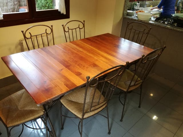 Conjunto mesa comedor + 6 sillas de segunda mano por 250 € en Premià ...