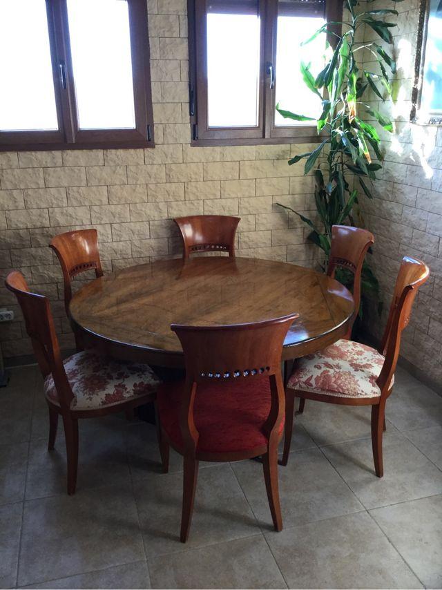 Mesa y sillas comedor roble macizo de segunda mano por 500 € en ...