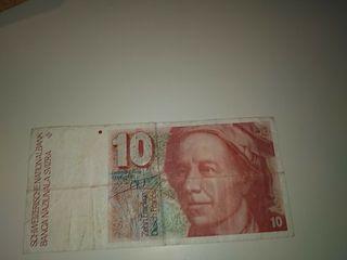 10 francos suizos