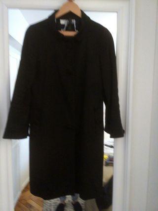 Abrigo Zara negro de segunda mano en A Coruña en WALLAPOP 6c84737c2ca