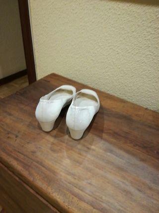 zapato beis n°40, 4cm de tacón