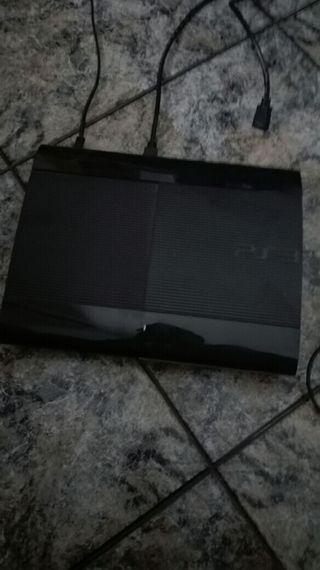 Ps3 Slim 500gb seminueva y 8 juegos