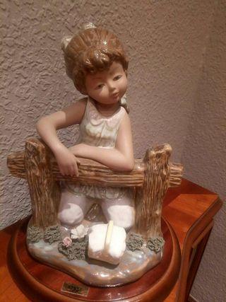Figura de porcelana tamaño grande