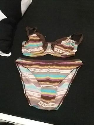 bikini change