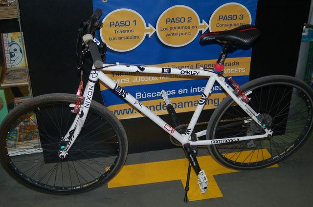 Bicicleta montaña perfeccionada talla M- Kastle
