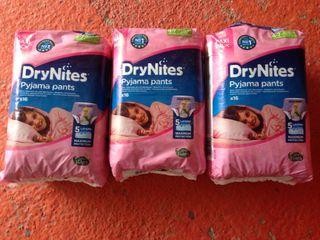 Pañales DryNites 4-7 años
