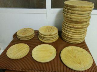 Juego de platos de madera. Poco uso
