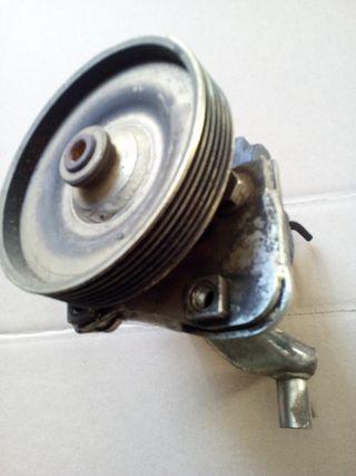 bomba hidraulica Renault