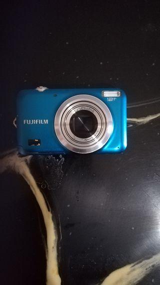 Camara Fujifilm seminueva
